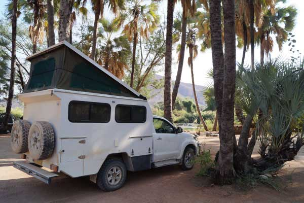 Explore-Botswana-Camping-vehicles-4x4-Bushcamper-01
