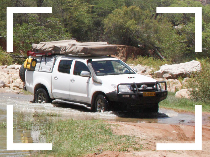 Explore-Botswana-navigation-and-equipment-foto-4x4-training